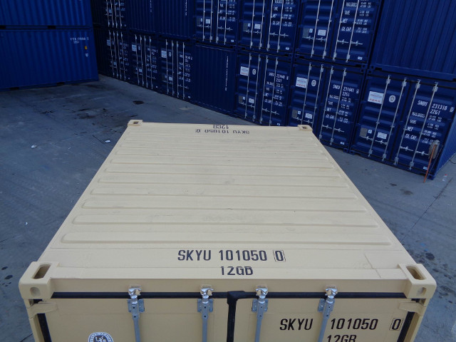container 10 roof